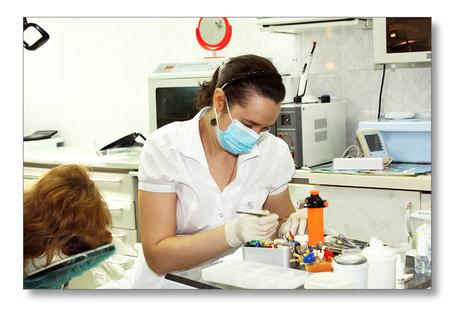 Для тех, кто боится лечить зубы. Снятие проблемы дентофобии (страха лечения зубов). Финансовая доступность (Вы не переплачиваете за бренд). Гарантия на все виды стоматологических услуг.